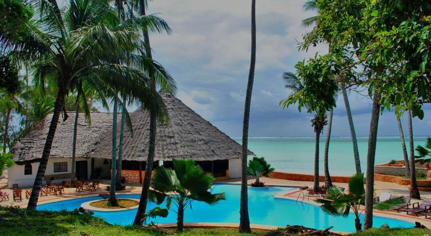 Coral Reef Beach Resort 3*