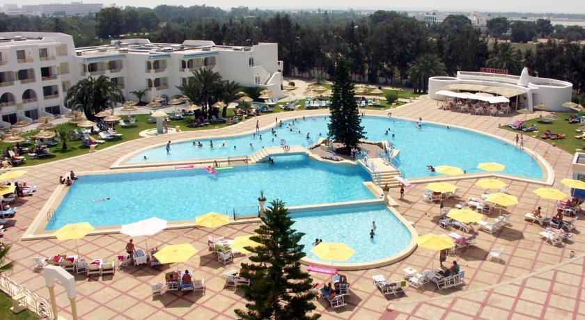 Ramada Liberty Resort 4*